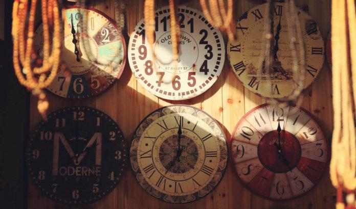 La tendance horloges murales - décorez votre intérieur avec du style!