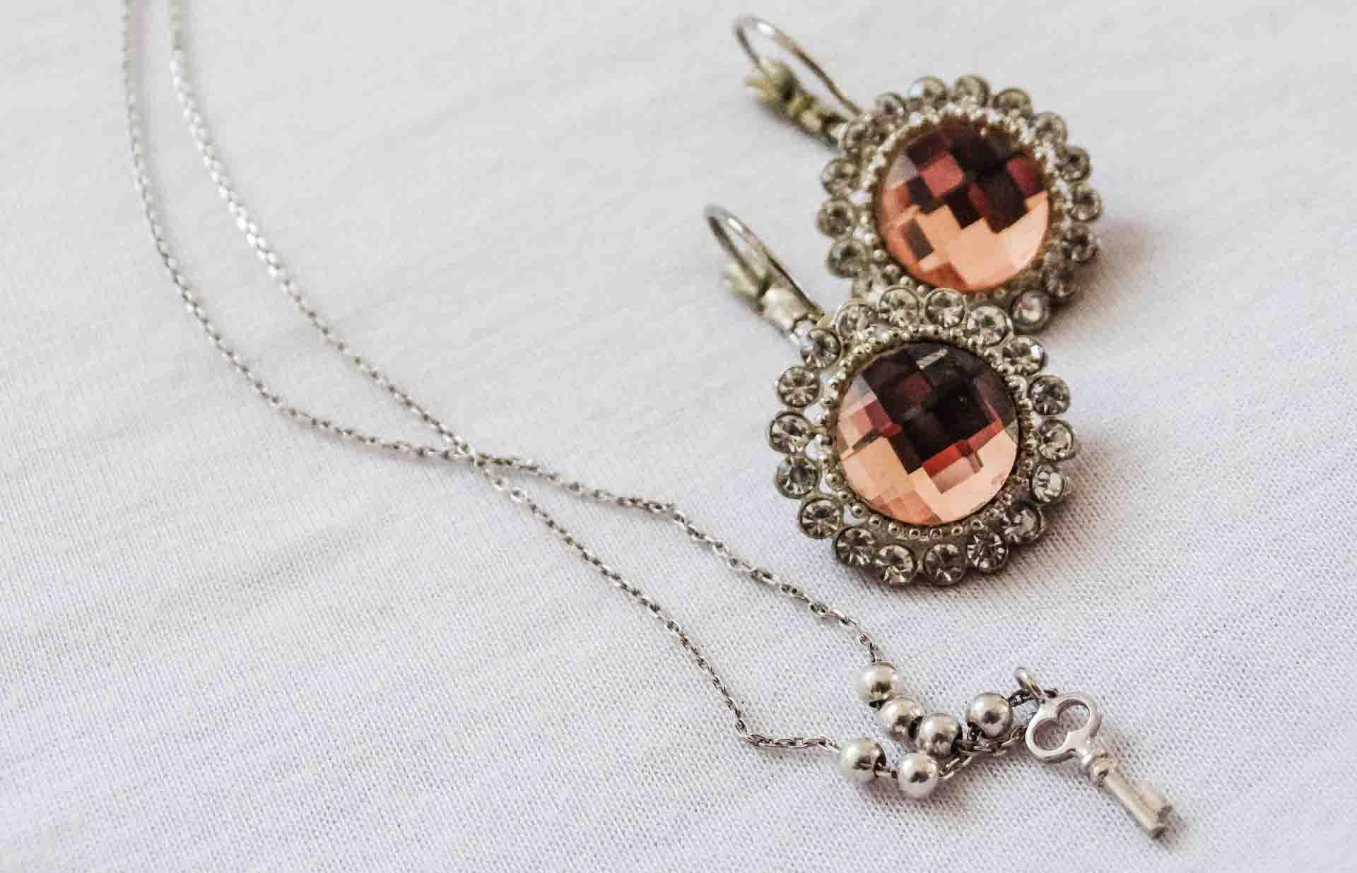 Astuces pour acheter des bijoux en ligne
